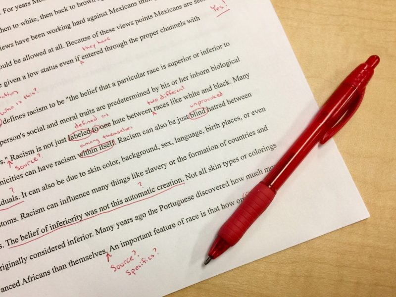mistakes_editing_school_red_ink_corrections_first_draft_teacher_red_pen-1032524.jpg!d
